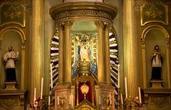 Autel d'or, statues, basilique, Guanajuato, Mexique Photos libres de droits