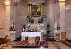 Autel dans l'église du premier miracle Photos stock