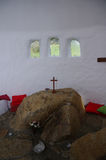 Autel en pierre dans la chapelle de Ffald-y-Brenin Photographie stock