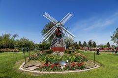 Autentisk holländsk Windmill i Holland, Michigan Royaltyfri Bild