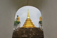 Autentisk myanmar arkitektur royaltyfria bilder