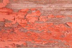 Autentyczna Drewniana ściana z Strugać Daleko Czerwoną farbę zdjęcie stock