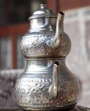 Autentyczni miedziani herbaciani czajniki fotografia stock