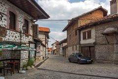 Authentieke de 19de eeuwhuizen in stad van Bansko, Blagoevgrad-Gebied, Bulgarije Stock Afbeelding