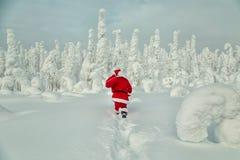 Authentieke Santa Claus in Lapland stock foto's