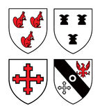 Authentische mittelalterliche Wappenkundeschilder Lizenzfreie Stockfotos