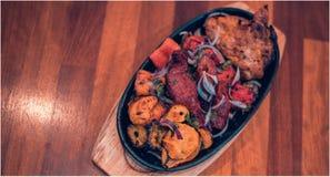 Authentischer Curry des indischen Subkontinents Hühner lizenzfreies stockbild