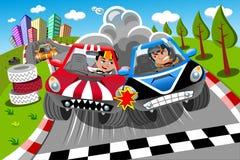 Autisti di arrivo della corsa di automobili della concorrenza Fotografia Stock
