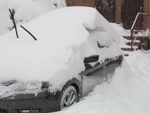 "Auto abgedeckt im Schnee Januar 2016 USA Ð "" Stockfotos"