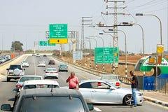 Auto accidenton de weg aan Kiryat Shmona, Israël stock foto's