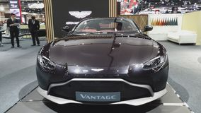 Auto Astons Martin Vantage auf Anzeige an der 35. internationalen Bewegungsausstellung Thailands stock footage