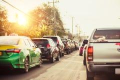 Auto auf dem StraßenStau zwischen langem weeked und Feiertag in Thailand lizenzfreies stockfoto