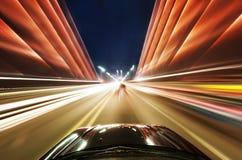 Auto auf der Straße Stockbilder