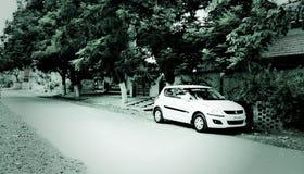 Auto auf Straße Lizenzfreie Stockbilder