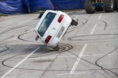 Auto auf zwei Rädern lizenzfreie stockfotografie