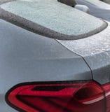 Auto bedeckt mit Eis Stockbild
