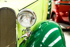 Auto beleuchtet Grün Stockbilder