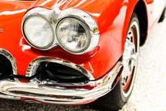 Auto beleuchtet Rot Lizenzfreie Stockfotos