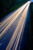 Auto beleuchtet Spuren Stockfoto