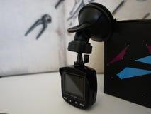 Auto camcorder vertoning Videorecorder om de verkeerssituatie te registreren terwijl het drijven van uw auto royalty-vrije stock afbeelding