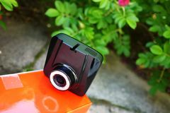 Auto camcorder vertoning Videorecorder om de verkeerssituatie te registreren terwijl het drijven van uw auto stock afbeeldingen