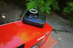 Auto camcorder vertoning Videorecorder om de verkeerssituatie te registreren terwijl het drijven van uw auto stock foto's