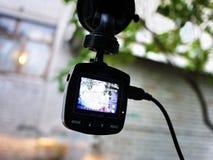 Auto camcorder vertoning Videorecorder om de verkeerssituatie te registreren terwijl het drijven van uw auto royalty-vrije stock fotografie