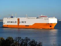 Auto-carrier 'Grande die Baltimora 'Haven verlaten royalty-vrije stock afbeeldingen
