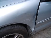 Auto dano que precisa o reparo Foto de Stock Royalty Free