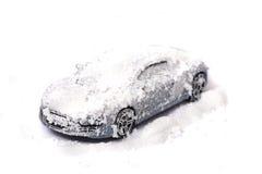 Auto in de sneeuw Royalty-vrije Stock Afbeeldingen