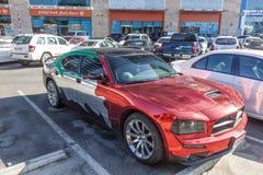 Auto in den nationalen Farben der UAE Stockbild
