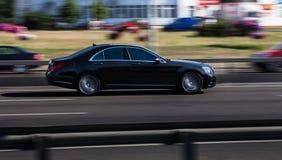 Auto in der Bewegung stockbilder