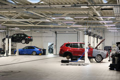 Auto in der Garage stockfoto