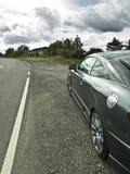 Auto in der Schulter Lizenzfreie Stockfotos