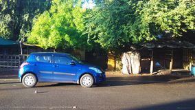 Auto des frühen Morgens Lizenzfreie Stockfotos