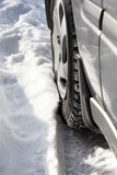 Auto drehen innen Schnee Stockfoto