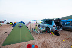 Auto en kamp stock foto
