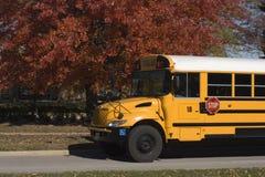 Auto escolar e cores da queda Imagem de Stock Royalty Free