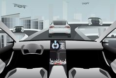 Auto futuristico che conduce automobile su una strada alta tecnologia Fotografia Stock