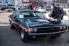 Auto Helsinkis, Finnland alter Dodge-Herausforderer Stockfotos
