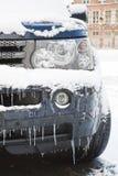 Auto im Winter Stockbild