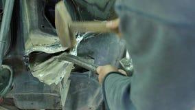 Auto kropp för bil för reparation för mekaniker för kroppreparationsserie stock video