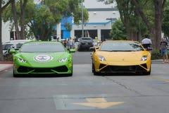 Auto Lamborghinis Huracan und Lamborghinis Gallardo auf Anzeige lizenzfreies stockbild
