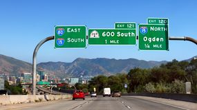 Auto-Landstraßen-Verkehr Vereinigte Staaten Stockfotografie