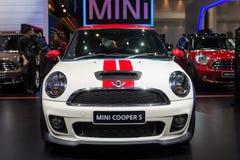 Auto Mini Coopers s an der 30. internationalen Bewegungsausstellung Thailands am 3. Dezember 2013 in Bangkok, Thailand Lizenzfreie Stockfotos