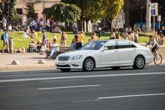 Auto in motie royalty-vrije stock fotografie