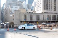 Auto NYPD op de Brug van Brooklyn Stock Foto's
