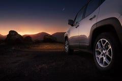 Auto op een woestijn royalty-vrije stock foto's