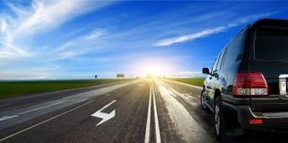 Auto op Weg royalty-vrije stock afbeeldingen