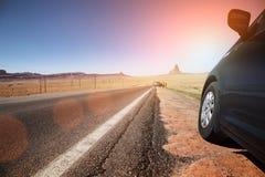 Auto op weg royalty-vrije stock fotografie